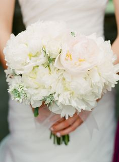 A gorgeous bouquet. Photography by AriellePhoto.com, Floral Design by Mary Lou Pappas Flowers
