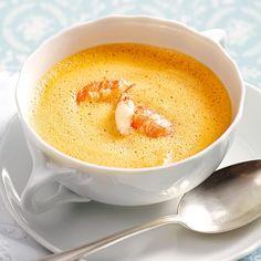 Mit so einem Süppchen machen Sie Eindruck. Und auch wenn der Rezepttitel vielleicht etwas aufwendig klingt, ist die Suppe gar nicht schwer zuzubereite...