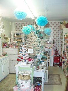 Vintage Christmas Booth Ideas