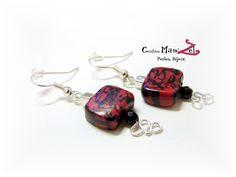 Boucles d'oreilles fantaisie carré ✿ Argenté, rouge et noire- Boucles d'oreilles courtes - Bijoux moderne de créateur