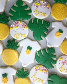 Adorable cookie ideas for Shima Baby Girl Shower Themes, Baby Shower Fun, Shower Set, Baby Shower Gender Reveal, Baby Shower Decorations, Fun Baby, Hawaiian Baby Showers, Luau Baby Showers, Baby Pineapple