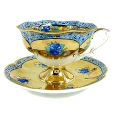 Vintage tea cup and saucer in blue and yellow with gold accents Tea Cup Set, My Cup Of Tea, Tea Cup Saucer, Tea Sets, Antique Tea Cups, Vintage Cups, Teapots And Cups, China Tea Cups, Terracotta