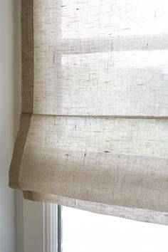 at your house,Focus on an American blind in Natural Linen Voile - Heytens Collection Curtain track or curtain rod? The most typical forms of fastening for curtains . Blinds For Windows, Curtains With Blinds, Window Curtains, Windows And Doors, Window Coverings, Window Treatments, Store Bateau, Rideaux Design, Hanging Curtains