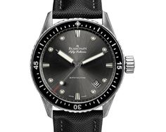 Discover a large selection of Blancpain Fifty Fathoms Bathyscaphe watches on - the worldwide marketplace for luxury watches. Compare all Blancpain Fifty Fathoms Bathyscaphe watches ✓ Buy safely & securely ✓ Gents Watches, Fine Watches, Cool Watches, Wrist Watches, Fifty Fathoms, Piguet Watch, Latest Watches, Dream Watches, Luxury Watches For Men