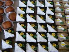 Drobné cukroví :: Cukrarstvinet Fondant, Our Wedding, Biscuits, Sweets, Cookies, Desserts, Christmas, Food, Apollo