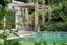 Over-sized pergola supports and beams {Fiona Brockhoff Design}