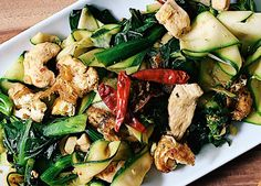 This paleo friendly Pad See Ew recipe is from ChihYu Smith at I Heart Umami. Made with zucchini instead of noodles, this is paleo thai food at its best. Paleo Chicken Recipes, Thai Recipes, Paleo Recipes, Real Food Recipes, Pad See Ew, Clean Eating, Healthy Eating, Asian, Healthy Recipes