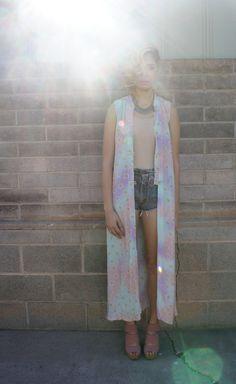 Psychedelic Princess // 70s // Pastel // Daisies // Kimono // Dress // Music Festival // Groovy // Boho // Hippie// Gypsy // Vintage
