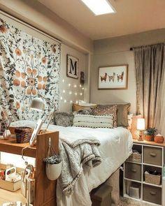 College Bedroom Decor, Cool Dorm Rooms, College Dorm Rooms, Room Ideas Bedroom, Dorm Room Ideas For Girls, Dorm Room Themes, Dorm Room Art, Room Wall Decor, Diy Bedroom