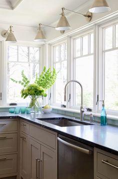 kitchen | Olson Lewis Architects and Kristina Crestin Design