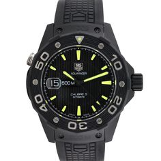 The Aquaracer pays tribute to TAG Heuer's expertise in ultra reliable watchmaking. Able to resist even the most extreme sailing conditions, the Aquaracer celebrates the partnership between TAG Heuer and Oracle Team USA in the America's Cup, and it's perfect for those who are captains even on the land — captains of the break room, the carpool, or the links. This dependable version features an automatic movement and luminous markers.