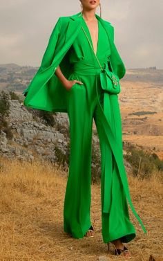 Fashion 2020, High Fashion, Green Fashion, Fashion Looks, Middle Eastern Fashion, Elie Saab Spring, Elegant Outfit, Spring Summer Fashion, Fashion Prints