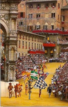 The #Palio Festival, in #Siena: it's a horse race held twice each year, on July 2 and August 16, in Piazza del Campo. Ten horses and riders, bareback and dressed in the appropriate colours, represent ten of the seventeen contrade, or city wards - here a part of the Corteo Storico (Historical Parade) pageant that precedes the race.