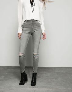 Jeans rotos tiro alto super elástico - Bershka - Bershka España