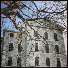 Crawling ... Abandoned Rockwood Insane Asylum in Kingston Ontario Canada