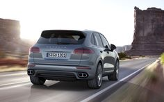 Porsche Cayenne 2015 features sharper design, boosted efficiency and extensive set of standard features. Chassis tuning of the Cayenne is optimised for even greater comfort Porsche Cayenne Gts, Porsche Boxster, Carros Porsche, Cayenne Turbo, My Dream Car, Dream Cars, Sport Suv, Porsche Cars, Fast And Furious
