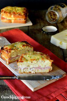 Il Croque monsieur è un tipico sandwich grigliato fatto con prosciutto cotto e formaggio (generalmente emmental o gruyère). Le sue origini sono francesi ed è proprio in Francia che viene servito comunemente in café e bar. La sua versione più elaborata comprende tra gli ingredienti anche la besciamella, mentre una famosa variante, il croque madame, vuole anche l'uovo.