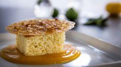 Gâteau au lait d'amandes, coulis de mangue à la lime kaffir - Recettes de cuisine, trucs et conseils - Canal Vie