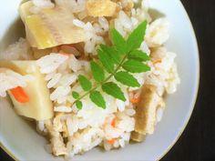 7月7日のサタデープラスで放送されたサラダチキン活用レシピ「サラダチキンの炊き込みご飯」の作り方をご紹介します☆ コンビニでも手に入る、手軽でおいしいヘルシー食材サラダチキンを使って簡単にできるおいしい炊き込みご飯のレシピです。