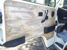 These wood door panels are on the same Vanagon we featured the other day. This owner loved lights and switches, and he apparently liked wood too.  The entir
