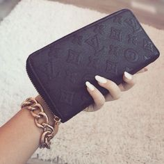 Louis Vuitton outlet for Women and men,Black Friday big promotion, Just in lowest price,only this time opportunity,Repin it now!