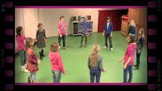 Klap doorgeven (dramaoefening bij lesmethode DramaOnline)