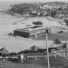 Cronulla Beach with dressing sheds in the 🌹 Sense Of Place, Historical Architecture, Back In The Day, Historical Photos, Time Travel, Wonderful Places, Old Photos, Brighton, New Zealand