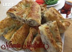 borek Ombre Hair ombre hair with highlights Pastry Recipes, Meat Recipes, Cooking Recipes, Ombre Hair With Highlights, Spanakopita, Street Food, Toast, Food And Drink, Breakfast