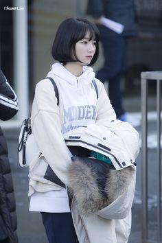 South Korean Girls, Korean Girl Groups, Airport Style, Airport Fashion, Kpop Girls, Casual Chic, Ulzzang, My Girl, Entertainment
