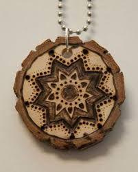 Afbeeldingsresultaat voor necklace wood pendant burn