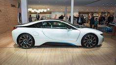 Production BMW i8 finally unveiled