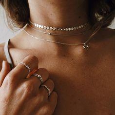 """Gefällt 70 Mal, 2 Kommentare - ST'ATOUR (@statourjewelry) auf Instagram: """"kann man überhaupt zuviel schmuck haben? 🤔 (frage für eine freundin) #statour #statourjewelry 📸…"""""""