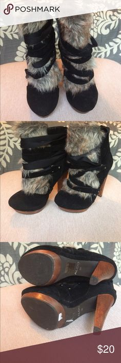 """Aldo fashion booties Never worn! These are so fashionable and perfect for fall/winter. Size 6 and 6"""" heel. Selling only because my feet grew after pregnancy 🤰 Aldo Shoes Platforms"""