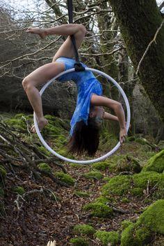 Aerial hoop lyra Photographer: Ellius Grace