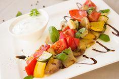 Ratatouille-Salat mit Joghurtdip