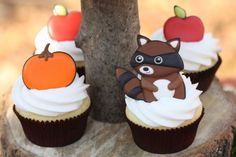 fantastin decorating cupcake :)