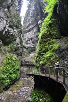 Visit the Gorges of Kakuetta with family . The Places Youll Go, Places To See, Road Trip France, Ocean Photography, Photography Tips, Wedding Photography, Voyage Europe, Europe Destinations, Canada Travel