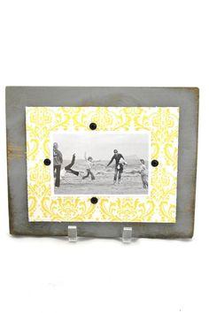 Yellow/grey Frame - main