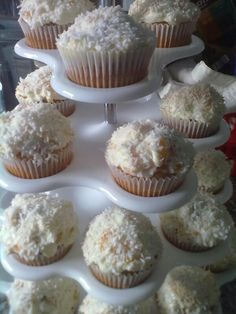 Nicht schön, aber lecker! Kokos-Pfirsich-Cupcakes