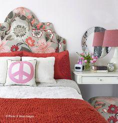 teen bedroom headboard love <3