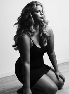 Amazingly beautyful plus-size model.