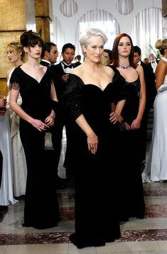4 Essential Fashion Lessons From Emily Blunt in The Devil Wears Prada Devil Wears Prada, Meryl Streep, Prada Poster, Marla Singer, Death Becomes Her, Emily Blunt, Iconic Movies, Anne Hathaway, Fashion Essentials