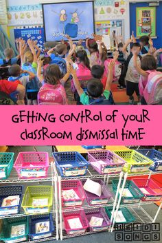 Getting Control of Your Classroom Dismissal Time- great classroom management info for Pre-K, Kinder and first grade but many useful ideas for other grades, too. Kindergarten Classroom Management, Classroom Management Strategies, Classroom Procedures, Classroom Organisation, Teacher Organization, Classroom Ideas, Kindergarten Procedures, Preschool Classroom, Classroom Routines