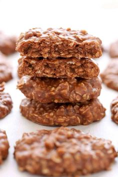 Came out great the first time. These Classic No-Bake Cookies only require a few simple ingredients and are incredibly easy to make. Loaded with peanut butter, oats, and cocoa powder, these cookies are perfect for an easy dessert! Easy No Bake Cookies, How To Make Cookies, Food To Make, No Bake Desserts, Easy Desserts, Dessert Recipes, Awesome Desserts, Chocolate Chip Cookies, Oatmeal Cookies