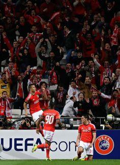 2014-04-24 Europa League semifinal, first leg, soccer match between Benfica and Juventus Thursday, April 24 2014, at Benfica's Luz stadium in Lisbon. (1129×1547)