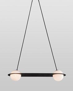 Concepteurs et éditeurs d'objets design faisant souvent référence au Bauhaus et au modernisme, Lambert & Fils soulignent avec cette nouvelle collection une approche plus contemporaine. Lignes, rondeurs et traits se rencontrent et forment une...