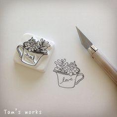 シンプル多肉ちゃん。 さ、連休連休〜! #消しゴムはんこ#eraserstamp#多肉植物#succulent