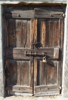 Old Wooden Doors, Wooden Art, Old Doors, Windows And Doors, Entrance Doors, Doorway, Doors Galore, Old Stone Houses, Door Fittings