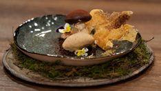 Mushroom Chocolate Soil, Chocolate Line, Melting White Chocolate, Chocolate Hazelnut, Stuffed Mushroom Caps, Stuffed Mushrooms, Masterchef Recipes, Masterchef Australia, Toast In The Oven