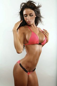 holy crap! perfect body! Ive got the boobs but need to get my summer toning on! this pic is going on my mirror for motivation!